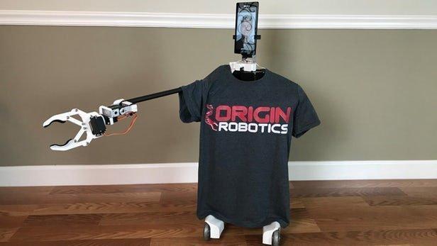 رباتی که از راه دور و با اینترنت کارهای مهم روزانه را انجام می دهد