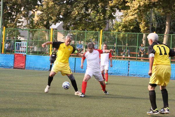 صعود چهار تیم به مرحله نیمه نهایی فوتبال جام باشگاهی پیشکسوتان
