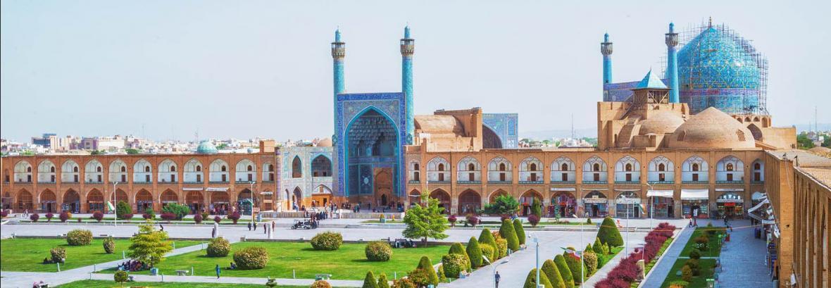 ممنوعیت های جدید در تابلوی ورودی مسجد تاریخی امام اصفهان ، عکاسی مدلینگ ممنوع شد