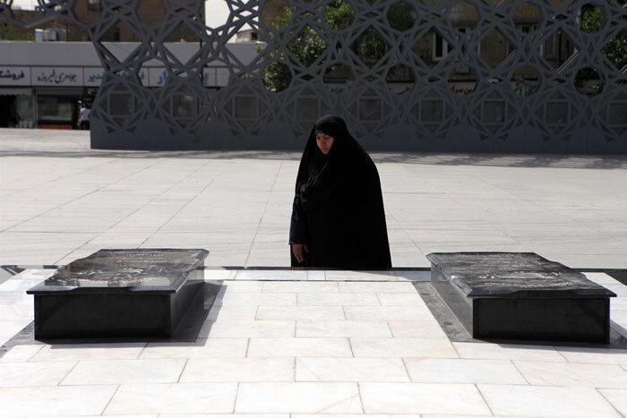 یاد یاران در میدان آیینی امام حسین(ع)