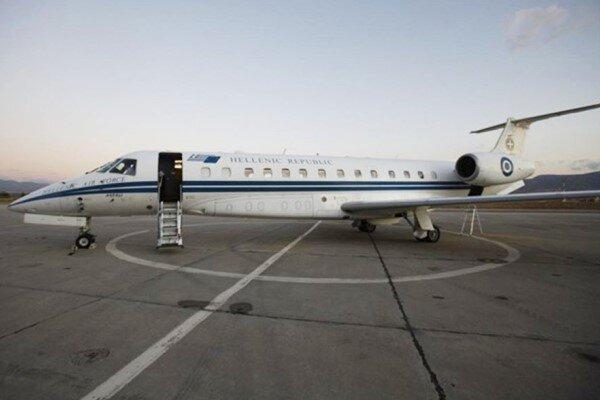 ترکیه هواپیمای وزیر خارجه یونان را معطل کرد